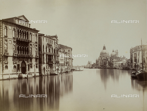 FVQ-F-212651-0000 - View of the Grand Canal in Venice, with the façade of Palazzo Cavalli Franchetti and the Church of Santa Maria della Salute - Data dello scatto: 1865-1875 - Archivi Alinari, Firenze