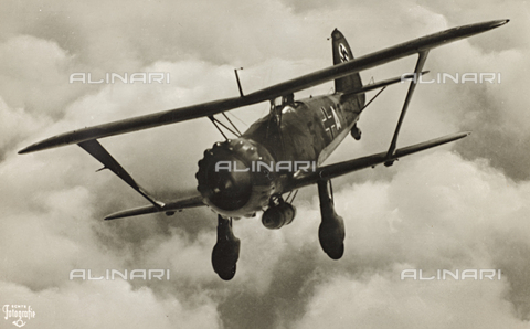 FVQ-F-213071-0000 - World War II: the combat aircraft Hs 123