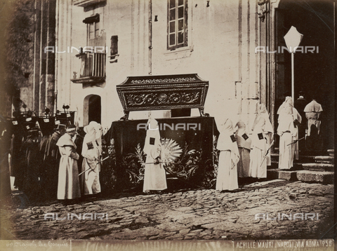 FVQ-F-217255-0000 - The funeral, Naples - Date of photography: 1885 ca. - Fratelli Alinari Museum Collections, Florence