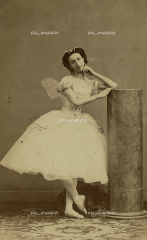 FVQ-F-220526-0000 - Portrait of the ballet dancer Emma Livry (1842-1863) - Data dello scatto: 1859 ca. - Archivi Alinari, Firenze