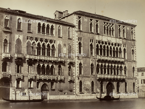 FVQ-F-221162-0000 - View of Palazzo Giustinian and Ca' Foscari on the Grand Canal in Venice - Data dello scatto: 1865-1875 - Archivi Alinari, Firenze