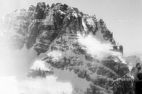 GBA-S-000178-0002 - Paesaggio di montagna innevato, Cortina d'Ampezzo - Data dello scatto: 06/02-27/02/1941 - Archivi Alinari, Firenze