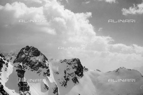 GBA-S-000178-0014 - Paesaggio di montagna innevato, Cortina d'Ampezzo - Data dello scatto: 06/02-27/02/1941 - Archivi Alinari, Firenze