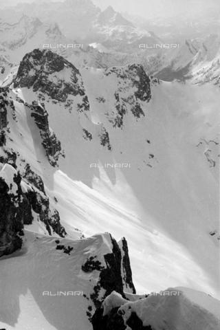 GBA-S-000178-0015 - Paesaggio di montagna innevato, Cortina d'Ampezzo - Data dello scatto: 06/02-27/02/1941 - Archivi Alinari, Firenze