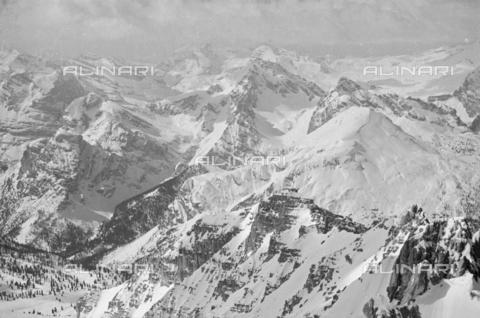 GBA-S-000178-0016 - Paesaggio di montagna innevato, Cortina d'Ampezzo - Data dello scatto: 06/02-27/02/1941 - Archivi Alinari, Firenze