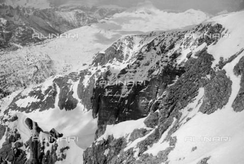 GBA-S-000178-0018 - Paesaggio di montagna innevato, Cortina d'Ampezzo - Data dello scatto: 06/02-27/02/1941 - Archivi Alinari, Firenze