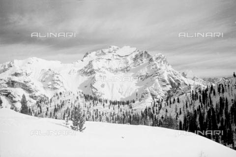 GBA-S-000178-0023 - Paesaggio di montagna innevato, Cortina d'Ampezzo - Data dello scatto: 06/02-27/02/1941 - Archivi Alinari, Firenze