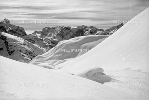 GBA-S-000178-0024 - Paesaggio di montagna innevato, Cortina d'Ampezzo - Data dello scatto: 06/02-27/02/1941 - Archivi Alinari, Firenze