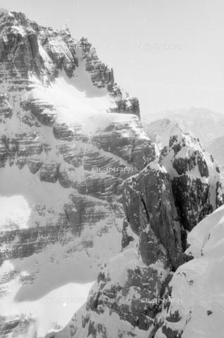 GBA-S-000178-0045 - Paesaggio di montagna innevata, Cortina d'Ampezzo - Data dello scatto: 06/02-27/02/1941 - Archivi Alinari, Firenze
