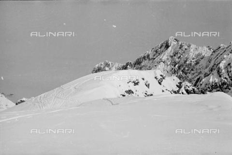 GBA-S-000178-004A - Paesaggio di montagna innevata, Cortina d'Ampezzo - Data dello scatto: 06/02-27/02/1941 - Archivi Alinari, Firenze