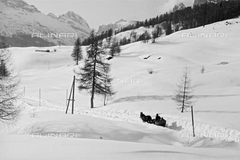 GBA-S-000178-009A - Veduta di paesaggio innevato, Cortina d'Ampezzo - Data dello scatto: 06/02-27/02/1941 - Archivi Alinari, Firenze