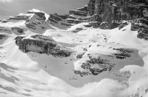 GBA-S-000179-037A - Montagna innevata, Cortina d'Ampezzo - Data dello scatto: 27/02-23/03/1941 - Archivi Alinari, Firenze
