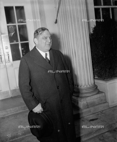 GBB-F-002470-0000 - 1938, 30 december, WASHINGTON, USA : The United States Mayor of New York City FIORELLO LA GUARDIA (1882 - 1947). N.Y. Mayor visits President. Washington, D.C., Dec. 30. New York City Mayor Fiorello La Guardia leaving the White House today after a call on President Roosevelt - © ARCHIVIO GBB / Archivi Alinari
