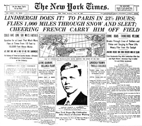 GBB-F-002490-0000 - 1927, 22 may NEW YORK, USA : The american aviator hero Charles Augustus LINDBERGH (Detroit 1902 - Maui Isle, Hawai 1974) with the SPIRIT OF SAINT LOUIS fly New York - Paris without stop. Cover of newspaper THE NEW YORK TIMES - © ARCHIVIO GBB / Archivi Alinari
