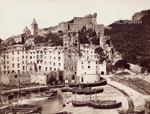 GBB-F-003275-0000 - 1890 ca, PORTO VENERE, LA SPEZIA, ITALY : The HARBOR, the beach and the ancient Tower and CASTELLO DORIA. - © ARCHIVIO GBB / Archivi Alinari
