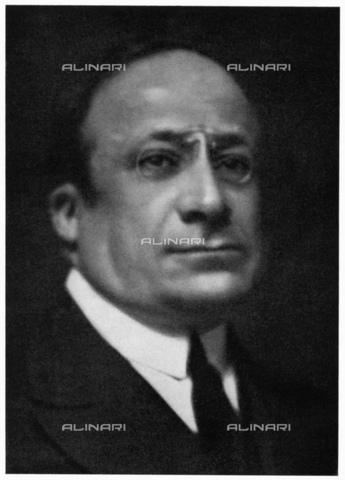 GBB-F-004296-0000 - 1930 ca, ITALY: The italian jewish choir conductor and music composer VITTORE VENEZIANI (1878 -1958). His masterpieces was the opera LA LEGGENDA DEL LAGO (Venezia, 1911, libretto by G. Pusinillot). Director of CORO ALLA SCALA Opera House in Milano from 1921 (called by Arturo Toscanini) until 1938, when he had to resign because of the Fascist racial laws. He dedicated himself to the chorus of the synagogue in Milan, before taking refuge in Switzerland, in February 1944. At that time he continued to devote himself to choral setting up a chorus of Roveredo in the institute and participating in the musical life of the near Bellinzona. In July 1945 he returned to Italy and took up the director the chorus of La Scala, where he remained until October of 1954. Founder in 1954 of ACCADEMIA CORALE Città di FERRARA - © ARCHIVIO GBB / Archivi Alinari