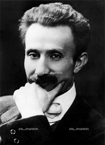 GBB-F-004324-0000 - 1913 ca, Milano, ITALY : The italian dramatist and journalist CARLO BERTOLAZZI (1870 - 1916). Celebrated author of theatre piéce in milanese dialect EL NOST MILAN (1893, proposed in 1963 by Giorgio Strehler in 1963) and LA GIBIGIANNA (1898). - © ARCHIVIO GBB / Archivi Alinari