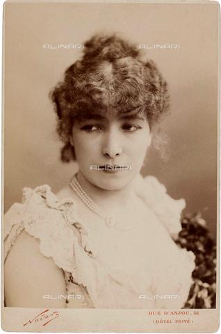 GBB-F-004963-0000 - 1882, PARIS, FRANCE : The french most celebrated theatre actress SARAH BERNHARDT (1844 - 1923) in FEDORA by VICTORIEN SARDOU - © ARCHIVIO GBB / Archivi Alinari