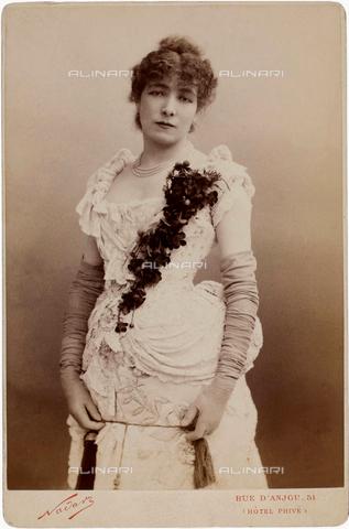 GBB-F-004964-0000 - 1882, PARIS, FRANCE : The french most celebrated theatre actress SARAH BERNHARDT (1844 - 1923) in FEDORA by VICTORIEN SARDOU - © ARCHIVIO GBB / Archivi Alinari