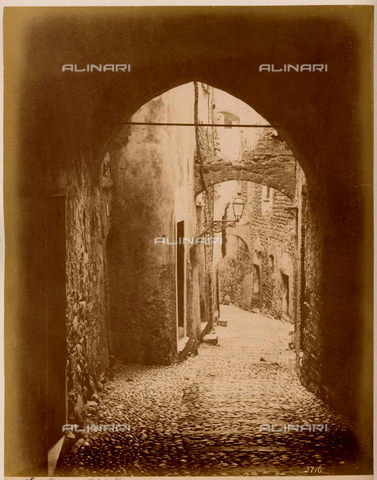GBB-F-005683-0000 - 1875 ca, IMPERIA, ITALY : SANREMO - SAN REMO, the Hight Old Town. - © ARCHIVIO GBB / Archivi Alinari