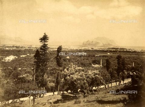 GBB-F-007918-0000 - 1875 ca, PALERMO, ITALY: The town of Palermo from the Sacro Monte di Gesù. - © ARCHIVIO GBB / Archivi Alinari