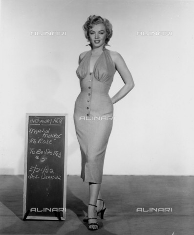 GBB-F-007998-0000 - 1952, USA: The movie actress MARILYN MONROE (1926-1962) costume test for the movie NIAGARA (1953) by Henry Hathaway, 20Th Century Fox - © ARCHIVIO GBB / Archivi Alinari