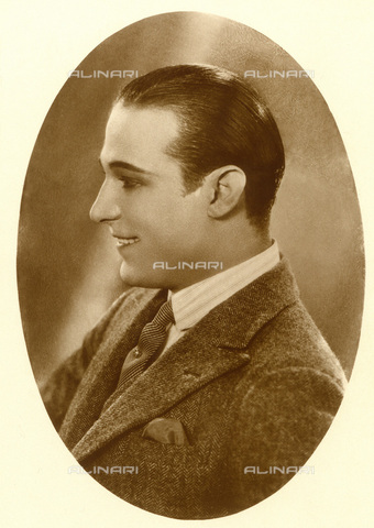 GBB-F-008011-0000 - 1922 c, USA: The Silent movie superstar RUDOLPH VALENTINO (Rodolfo Guglielmi-Castellaneta, Taranto 1895-New York, USA 1926). - © ARCHIVIO GBB / Archivi Alinari