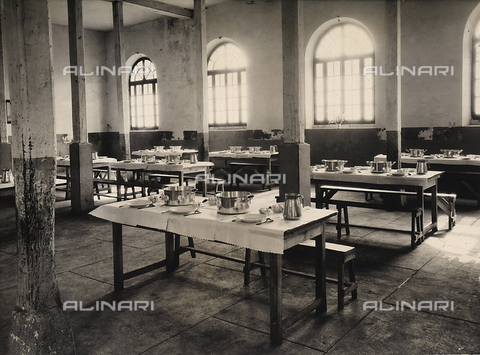 GCQ-F-003445-0000 - The miner's dining hall, in the center of Meaux, France