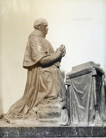 GCQ-F-003920-0000 - The statue at the tomb of Cardinal Don Diego de Espinosa, detail of the funerary monument of the Cardinal, by Pompeo Leoni, in the Villa Martin Munoz de las Posadas, Avila, Spain - Date of photography: 1920-1930 ca. - Fratelli Alinari Museum Collections, Florence