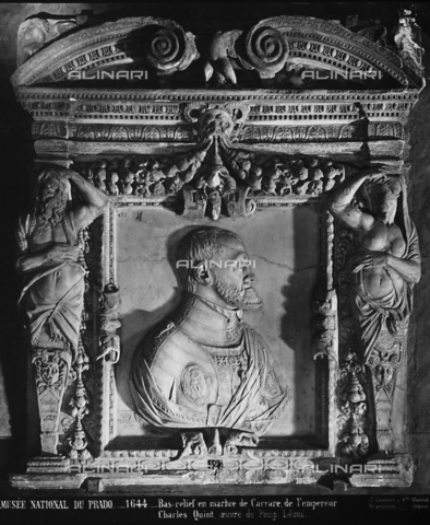 GCQ-F-003928-0000 - Marble low relief of a portrait of Emperor Charles V, by Pompeo Leoni, National Museum of the Prado, Madrid, Spain - Date of photography: 1920-1930 ca. - Fratelli Alinari Museum Collections, Florence