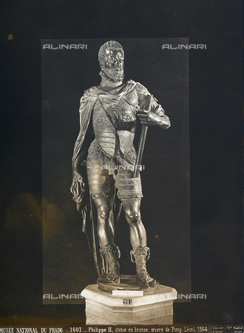 GCQ-F-003930-0000 - Philip II of Spain, bronze statue by Pompeo Leoni, housed in the National Museum of the Prado, Madrid, Spain - Date of photography: 1920-1930 ca. - Fratelli Alinari Museum Collections, Florence
