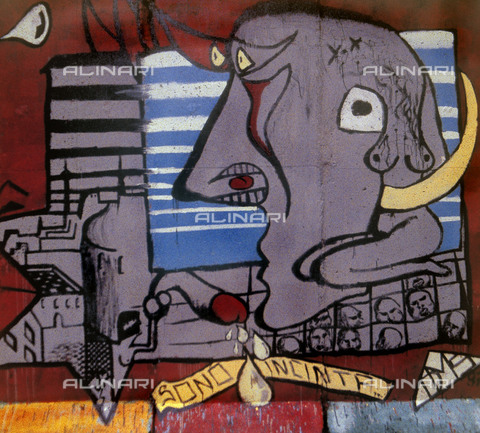"""GRA-F-000063-0000 - Allegorical image and the text """"sono incinta"""", Graffiti & Wall Art on the Berlin Wall that fell down beginning from the night of 9th November 1989 - Data dello scatto: 1987 - Francesco and Alessandro Alacevich / Gremese Archive/Alinari Archives"""