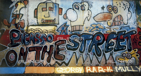 """GRA-F-000072-0000 - The text """"Picasso on the street"""", artwork by Christophe Bouchet. Graffiti & Wall Art on the Berlin Wall that fell down beginning from the night of 9th November 1989 - Data dello scatto: 1987 - Francesco and Alessandro Alacevich / Gremese Archive/Alinari Archives"""