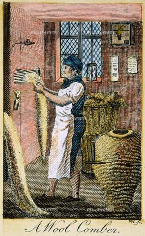 GRC-F-008903-0000 - Un colono americano mentre pettina la lana, incisione - Sarin Images / Granger, NYC /Archivi Alinari