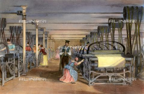 GRC-F-009068-0000 - Operaie al lavoro durante la lavorazione di tessuti in cotone in una industria tessile, incisione - Granger, NYC /Archivi Alinari