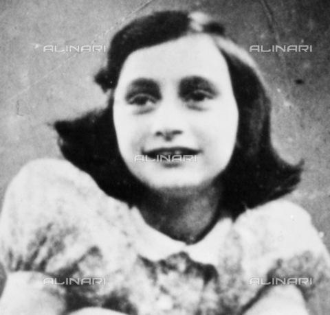 GRC-F-013531-0000 - Portrait of Anne Frank (1929-1945) - Granger, NYC/Alinari Archives