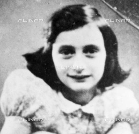 GRC-F-013532-0000 - Portrait of Anne Frank (1929-1945) - Granger, NYC/Alinari Archives