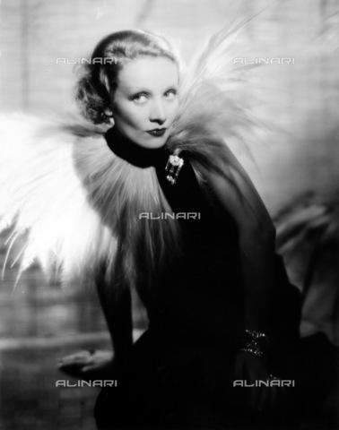GRC-F-015625-0000 - Ritratto dell'attrice e cantante tedesca Marlene Dietrich (Marie Magdalene Dietrich 1901-1992) - Data dello scatto: 1934 - Granger, NYC /Archivi Alinari