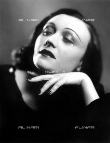 GRC-F-066426-0000 - Ritratto dell'attrice polacca Pola Negri (Barbara Apolonia Chałupiec 1897-1987) - Granger, NYC /Archivi Alinari