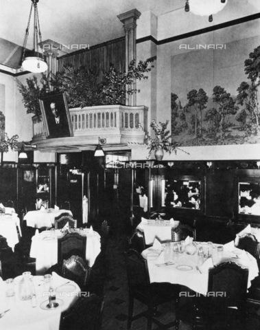 GRC-F-083638-0000 - Interno del ristorante italiano Solari a San Francisco - Data dello scatto: 1910 ca. - Granger, NYC /Archivi Alinari