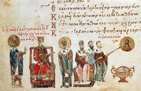 GRC-F-115816-0000 - Alcuni iconoclasti sfregano un'immagine di Cristo; a sinistra membri del Concilio di Costantinopoli, miniatura di un salterio, manoscritto realizzato in un Monastero di Costantinopoli, arte bizantina - Granger, NYC /Archivi Alinari
