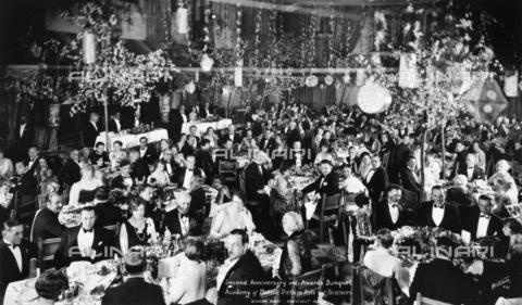GRC-F-116740-0000 - Banchetto alla prima cerimonia di premiazione degli Oscar, il 16 maggio 1929, nella sala Blossom del Roosevelt Hotel, Hollywood, California - Data dello scatto: 16/05/1929 - Granger, NYC /Archivi Alinari