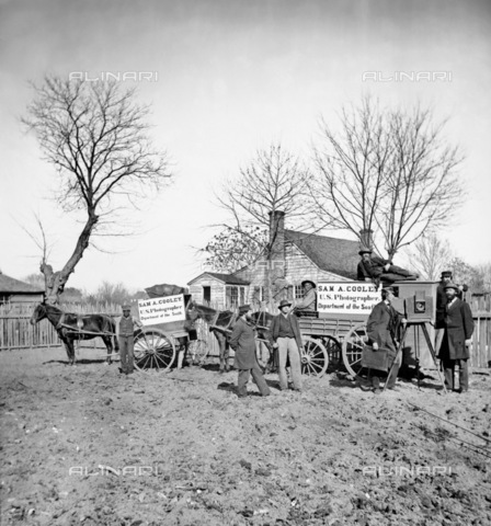 GRC-F-122338-0000 - Guerra civile americana 1861-1865: l'apparecchiatura fotografica utilizzata dal fotografo Sam A. Cooley per documentare il conflitto americano - Data dello scatto: 1862 - Granger, NYC /Archivi Alinari