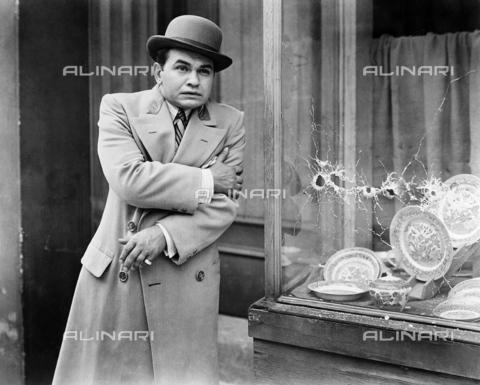 """GRC-F-122494-0000 - Edward G. Robinson interpreta il gangster Caesar Enrico Bandello in """"Little Caesar"""" diretto da Mervyn LeRoy, 1931 - Data dello scatto: 1931 - Granger, NYC /Archivi Alinari"""