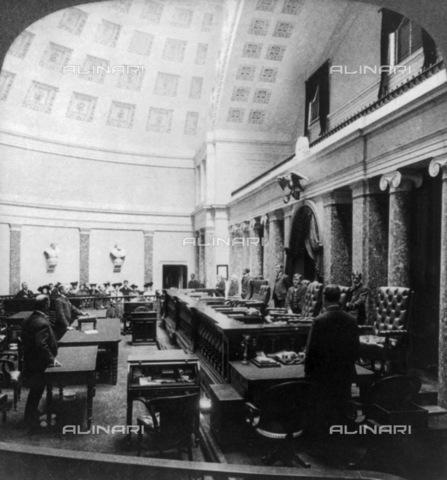 GRC-F-131380-0000 - Interno della Corte suprema degli Stati Uniti d'America, Campidoglio, Washington - Data dello scatto: 1904 ca. - Granger, NYC /Archivi Alinari