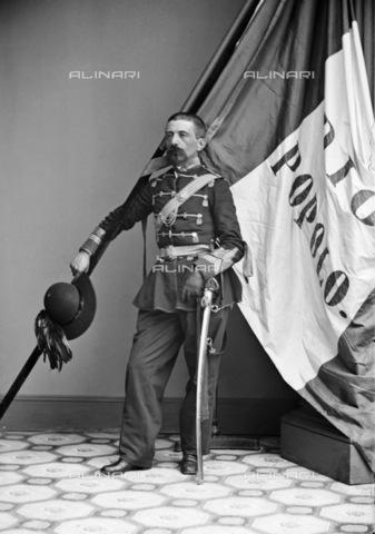 GRC-F-163561-0000 - Il tenente colonnello A. Ripetti, un italiano-americano della 39 ° fanteria di New York, con una bandiera italiana, durante la guerra civile americana - Data dello scatto: 1862 ca. - Granger, NYC /Archivi Alinari