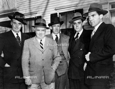 GRC-F-621933-0000 - Membri del comitato delle attività antiamericane della casa in visita dal presidente John Parnell Thomas. Da sinistra a destra: Richard B. Vail, J.P. Thomas, John McDowell, Robert Stripling e Richard Nixon - Data dello scatto: 1948 - Granger, NYC /Archivi Alinari