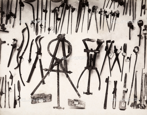 GRQ-F-003940-0000 - Surgical equipment from ancient Roman times, excavated in Pompeii
