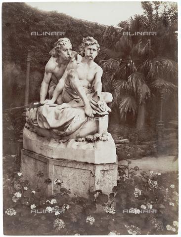 GWA-F-000200-0000 - Sculptural group of the Canaris brothers, Palermo - Data dello scatto: 1910 ca. - Archivi Alinari, Firenze