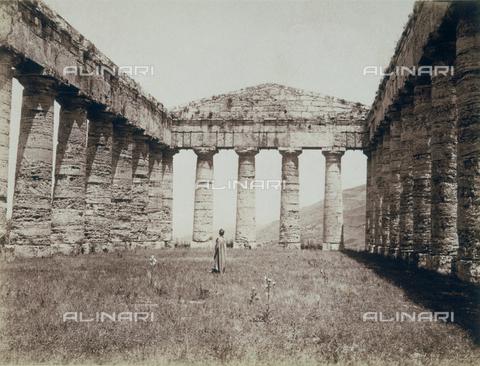 GWA-F-000273-0000 - Temple of Segesta - Data dello scatto: 1900 ca. - Archivi Alinari, Firenze